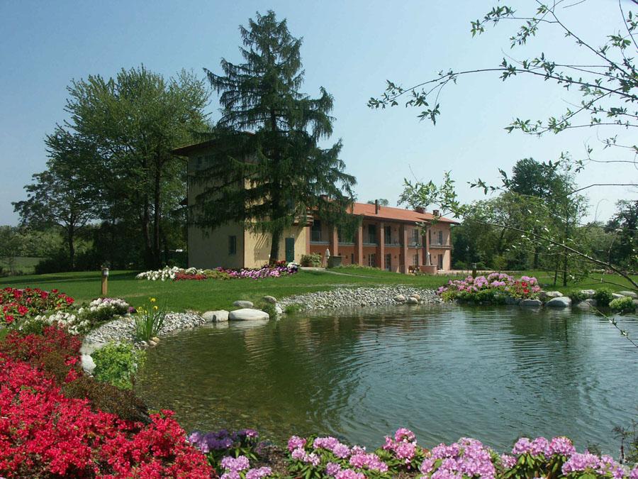 Peverelli design construction and maintenance of green for Casa da vivere